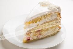 Торт бисквитный с малиной
